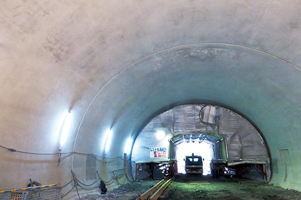 釜石山田道路八雲第1トンネル